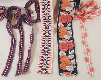 4 Midcentury Colorful Trims in Blues and Pinks