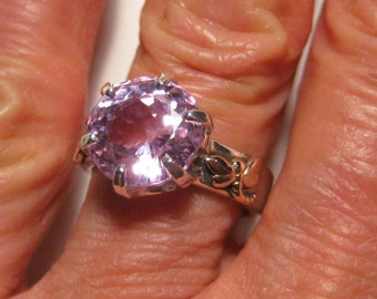 Stunning Lavender Pink Kunzite Ring ..Sterling Silver  and 14 kt Rose Gold Dragonflies ... Size 7  ... e869