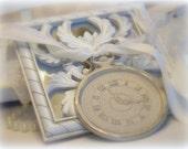 Shabby Chic decoration medallion, Cinderella, Clock, metal