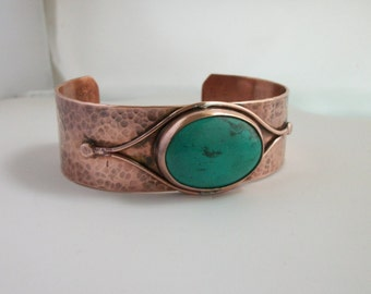 Hammered copper and turquoise cabochon, copper bracelet - copper jewelry - hand forged copper cuff - turquoise bracelet, LARGE
