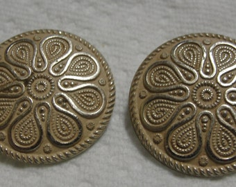 Vintage Round Beige Metal Clip Earrings
