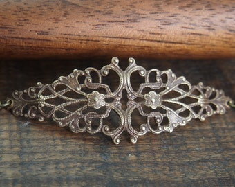 Filigree brass bracelet // perfect for layering // light weight // vintage style // B008