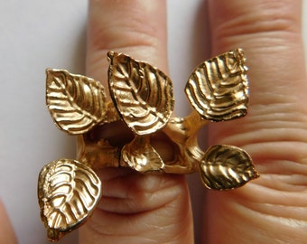 Unusual Hinged Ring Gold Ring with Leaves STATEMENT RING Top Opening 7.5