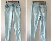 Vintage Calvin Klein jeans / highwaisted jean / light wash jeans / 1990s jeans 26 waist