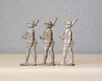 Antique Soldiers Flat Doughboys WWI Vintage Toy Lot of Three