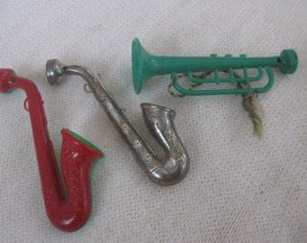 Christmas Horn Ornaments , Set of 3 Assorted Colors  1940's plastic horn, sax and trumpet