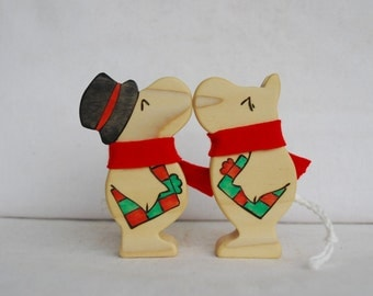 Kissing Holiday Moomins