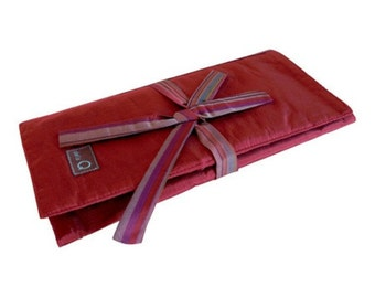 dellaQ Trifold Circular Needle Case: Beautiful, Practical Storage for Your Circular Knitting Needles