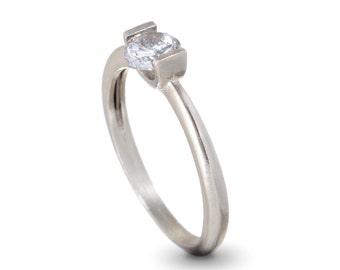 Round Engagement Ring , 14K White Gold Diamond Engagement Ring , Unique Engagement Ring , Gold and Diamond Ring , Anniversary Ring