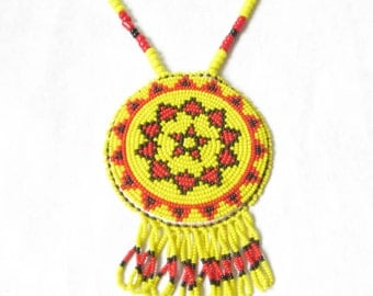 Vintage Native American Beaded Pendant Necklace