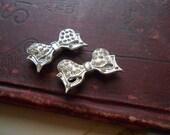 pair of rhinestone bow brooches 1930s 1940s era costume jewelry rhinestone jewelry