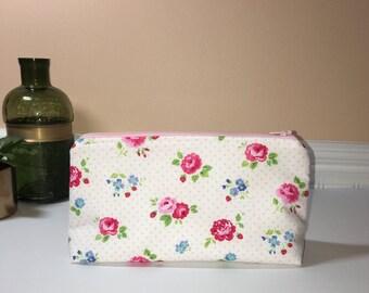 Handmade Medium Zipper Pouch, Rose Zipper Pouch, Travel Pouch, Makeup bag, Cosmetic Bag, Pencil Pouch, Gift Idea, Project Pouch