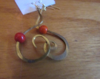 twisty with orange bead