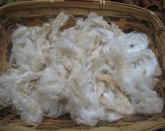 Silk Noil, Mulberry Silk Noil,  Naturally Dyed and Off White Silk Noil, Soft Butter Cream Silk noil, Spinning Silk, Wet and Neelde Feltlt le