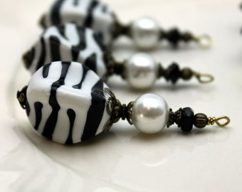 Vintage Style Zebra Striped Lucite and Pearl Bead Dangle Pendant, Single Charm