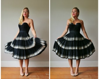 1950s Mexican Twirl Skirt >>> Size Extra Small