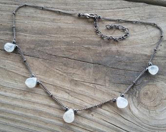 five teardrops choker necklace // gemstone necklace // dainty necklace // everyday necklace // beaded choker // moonstone necklace // HEY04W