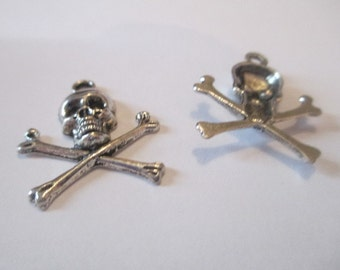 8 Skull and Crossbone Charms