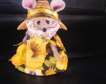 Gardening Mouse with a Pansy