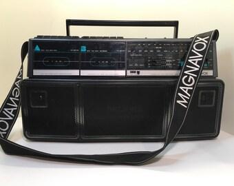 Vintage retro magnavox boom box
