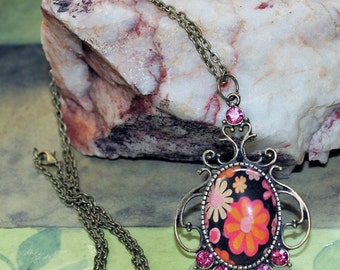 Vintage Meets Retro Flower Cameo Necklace