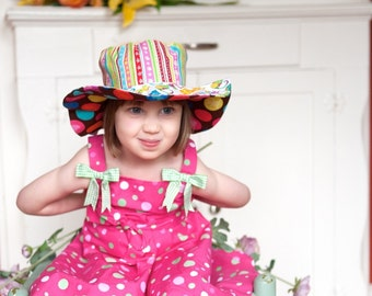 Little girl beach hat, wide brim floppy sun hat with kitties and polka dots