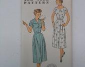Vintage 50s 2 Button Closing Dress Pattern New York 1523 Size 16 Bust 34 UNCUT