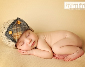 newborn hunter hat // pilot // aviator // newborn photo prop // ear flap // boy photo prop // fall photo prop // wood button //  christmas