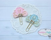 Pink or Blue carriage cinderella Planner Paper Clips, Cute Kissing Foxes Birthday party favors, Bow No Slip, kikkik, happy planner