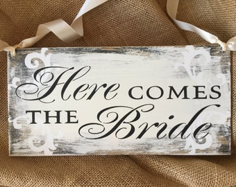 Here comes the bride sign, shabby chic here comes the bride sign, shabby chic wedding sign, original KerriArt design item 88800E