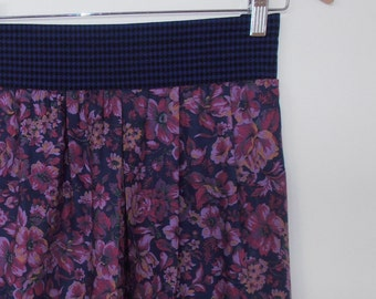 floral in magenta and navy...vintage fabric pleated skirt with side seam pockets