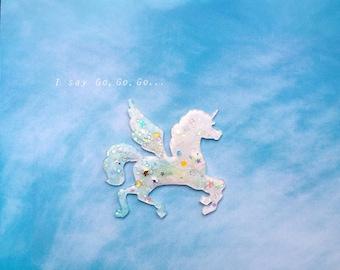 Unicorn alicorn pegasus - cloudy skies - brooch - kawaii
