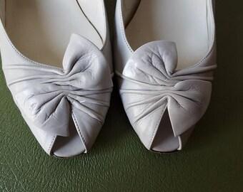 1960's 1970's Sesto Meucci Pumps - Leather - Heels - Open Toe - Peep Toe - Bowtie - Vintage - Blue - Leather