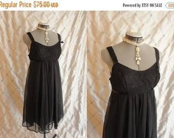 ON SALE 50s 60s Lingerie // Vanity Fair // Vintage 1950s 1960s Black Chiffon Short  Nightgown by Vanity Fair Size M 34