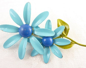 Vintage Blue Painted Metal Spinning Flower Brooch