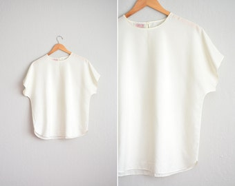 Size M/L // DRAPEY SHELL BLOUSE // Off-White - Light Cream - Dolman Sleeves - Oversized - Vintage '80s Minimalist.