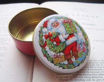 Mini Vintage Daher Tin * Christmas Tin * Small Candy Tin * Round 1960's Tin Box * Holiday Tin