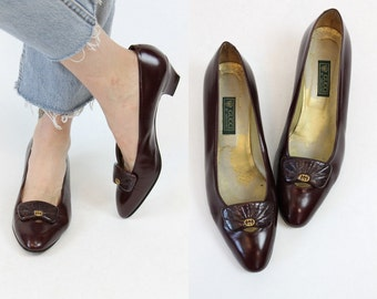 80s Gucci Heels 9.5 / 1980s Vintage Burgundy Slip On Pumps / Milan Nights Shoes