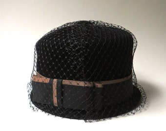 Mid Century vintage Black Velour Cloche Hat with Bow and Birdcage Veil