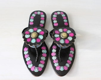 Vintage 1960s Black Hand Painted India Thong Sandals / 1960s Sandals / Black Leather / Size 5