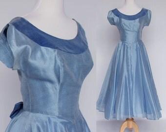 50's Prom or Bridesmaid Dress / Sky Blue Organza / Short Cap Sleeves / Tea Length / XSmall