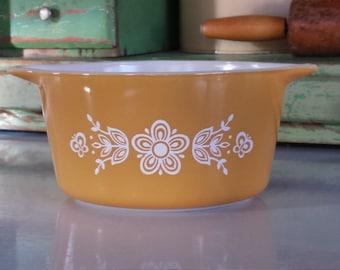PYREX 'Butterfly Gold' ~ #473 ~ Round Casserole ~ 1 QT.