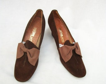SALE Size 7.5 to 8 Narrow Brown Suede Pumps Philippe Bottier Spain