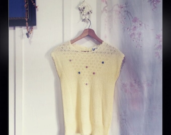 Cream vintage knit sweater top super sweet with rosette detail blouse XS S extra small
