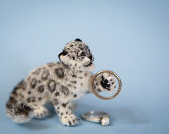 Dollhouse Miniature Young Snow Leopard Artist Furred OOAK 1:12 Scale