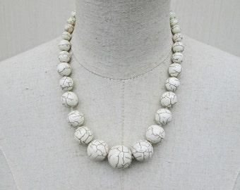 White Howlite Graduated Beaded Chunky Necklace, Minimalist Beads