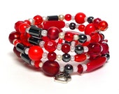 LIPSTICK AT MIDNIGHT Coil Beaded Bracelet by Beading Divas Fundraiser