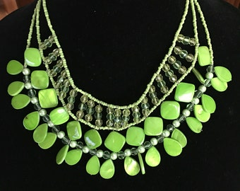 Vintage Summer Green Wide Dangling Beads Necklace