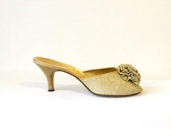 Vintage 50s 1950s Gold Shimmer Pomarosa Boudoir Slippers Daniel Green Shoes Pumps Heels Mules size 8.5 8 1/2 40s 1940s Peep Toe Open Shoes