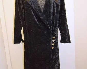 1920's Embossed Velvet Dress, Mother of Pearl Buttons, Larger Size